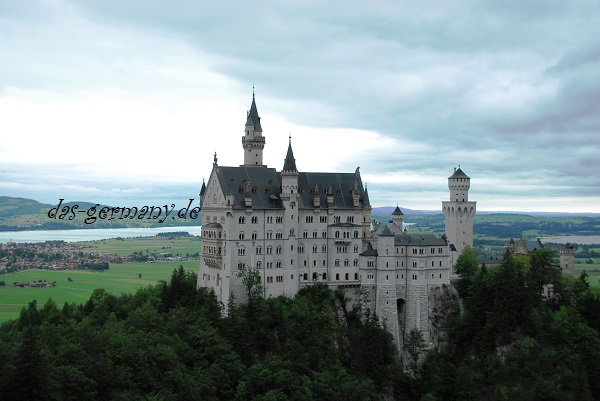 самый популярный замок в мире